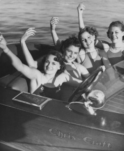 Vintage Chris-Craft and Water Skiing 33